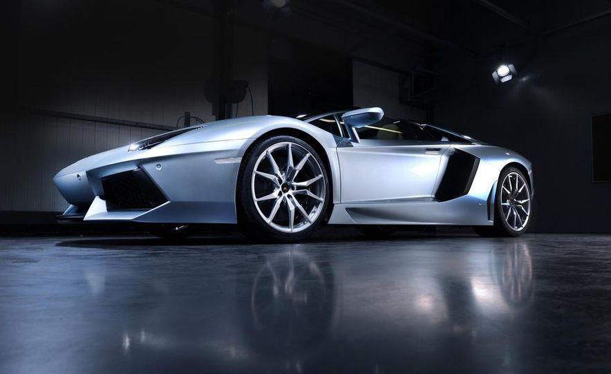 2013 Lamborghini Aventador LP700-4 Roadster - Slide 26