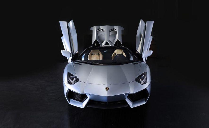 2013 Lamborghini Aventador LP700-4 Roadster - Slide 28