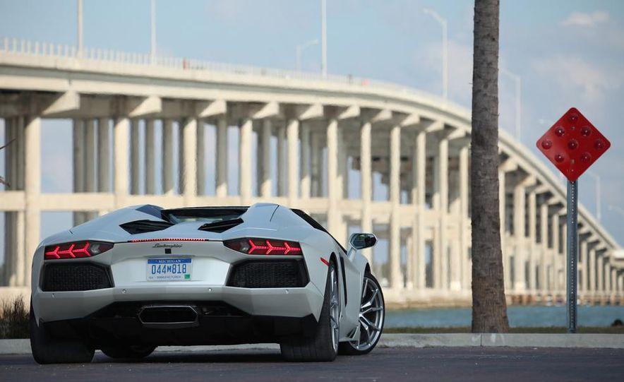 2013 Lamborghini Aventador LP700-4 Roadster - Slide 38
