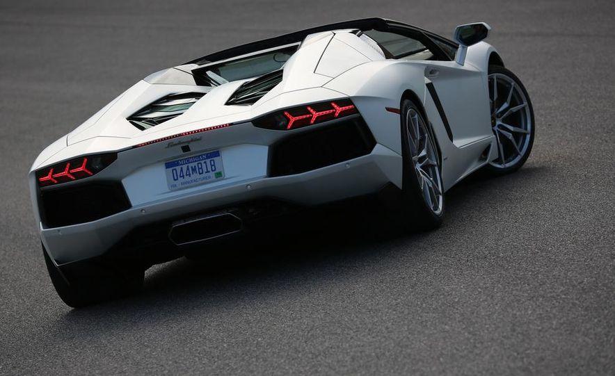 2013 Lamborghini Aventador LP700-4 Roadster - Slide 40