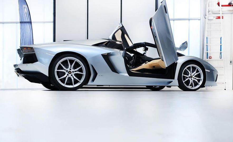 2013 Lamborghini Aventador LP700-4 Roadster - Slide 47