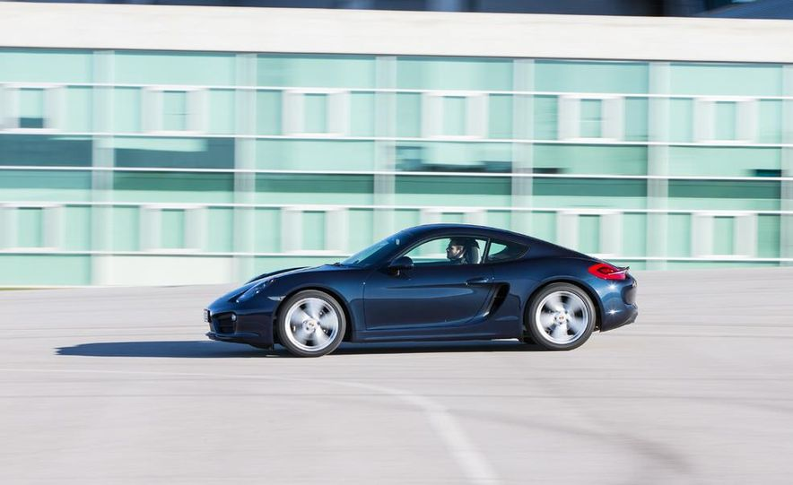 2014 Porsche Cayman S and Cayman - Slide 8