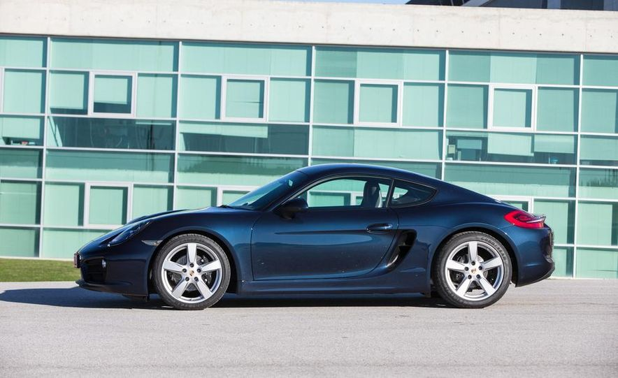 2014 Porsche Cayman S and Cayman - Slide 13