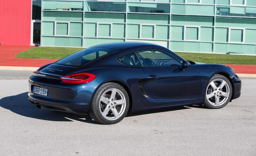 2014 Porsche Cayman S and Cayman - Slide 14