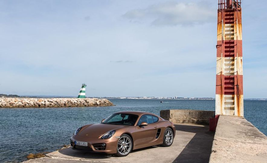 2014 Porsche Cayman S and Cayman - Slide 22