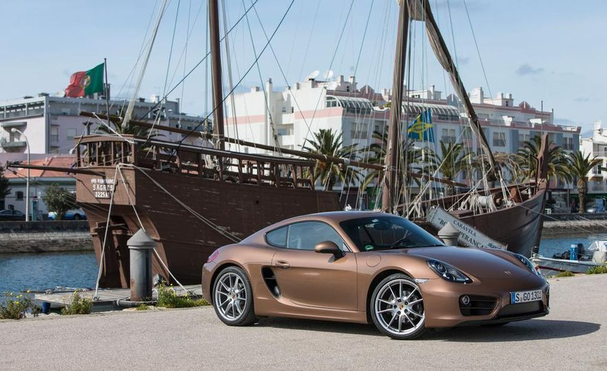 2014 Porsche Cayman S and Cayman - Slide 23