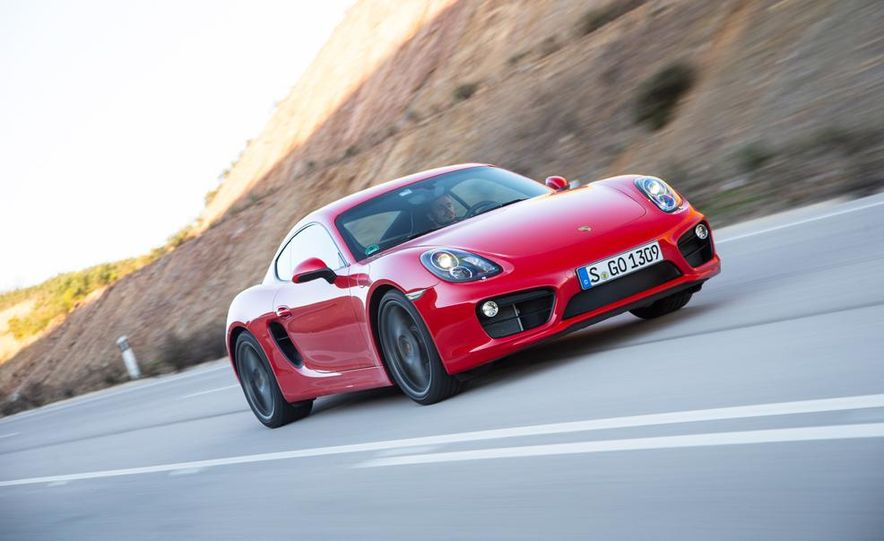 2014 Porsche Cayman S and Cayman - Slide 47