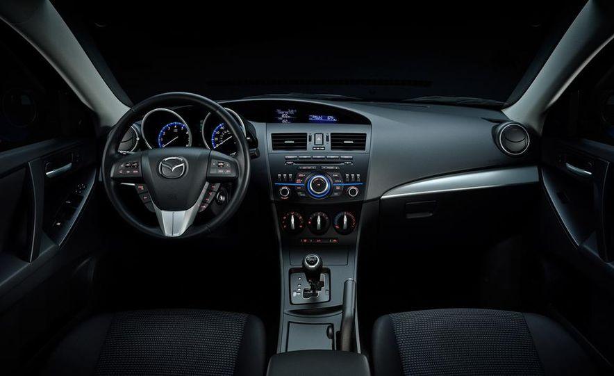 2015 Mazda 3 5-door (spy photo) - Slide 28