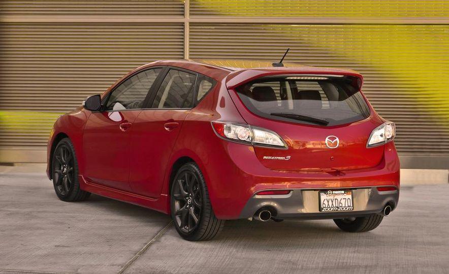 2015 Mazda 3 5-door (spy photo) - Slide 17