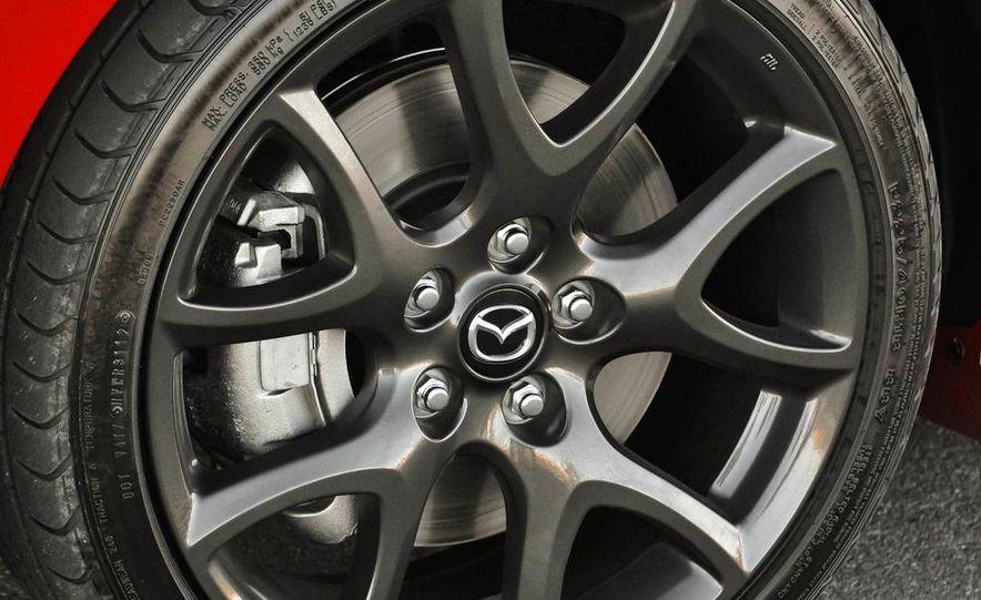 2015 Mazda 3 5-door (spy photo) - Slide 18