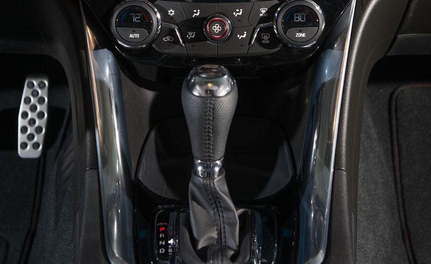 2014 Chevrolet SS Nascar race car and 2014 Chevrolet SS - Slide 17
