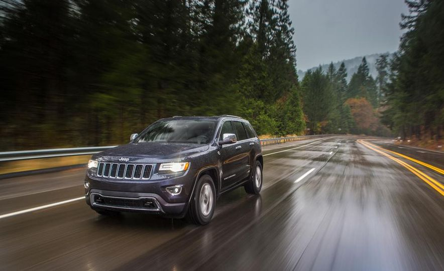 2014 Jeep Grand Cherokee Overland - Slide 24