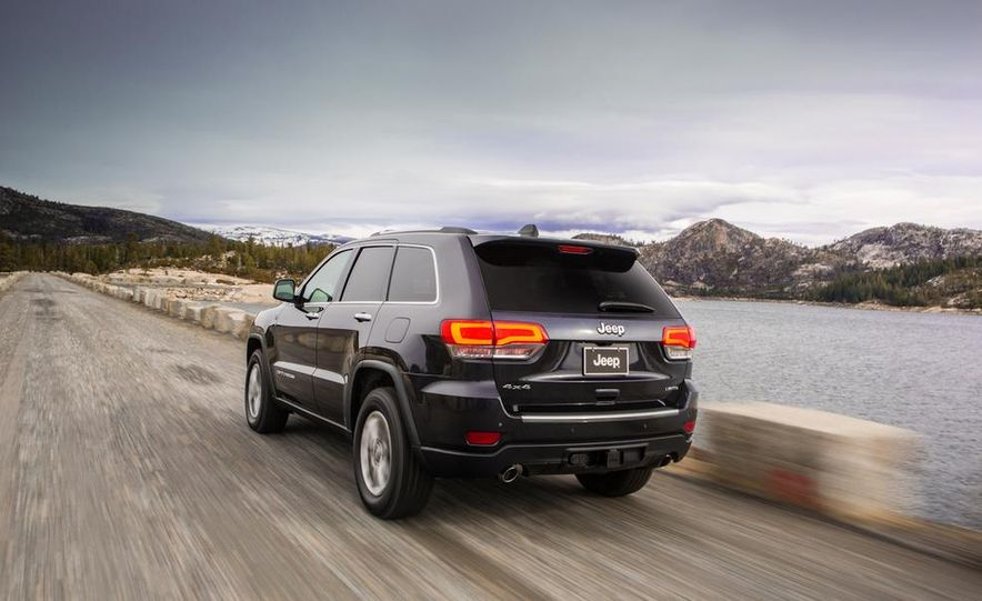 2014 Jeep Grand Cherokee Overland - Slide 30