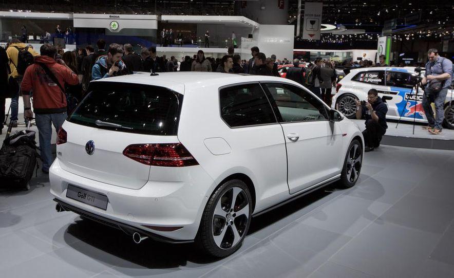 2015 Volkswagen GTI 3-door - Slide 2