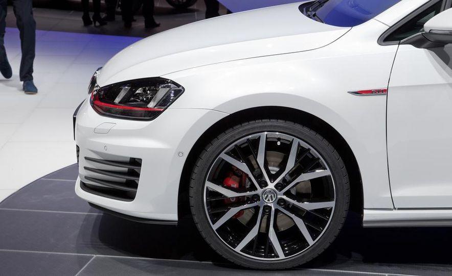 2015 Volkswagen GTI 3-door - Slide 16