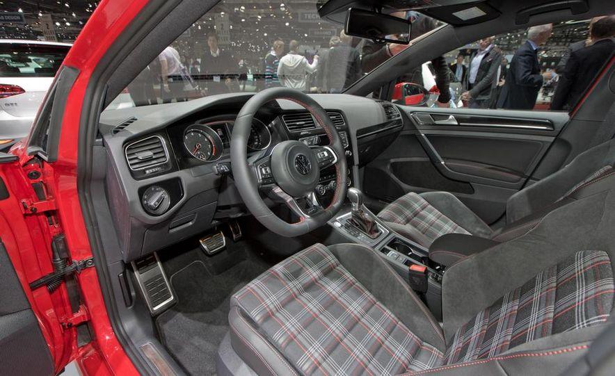 2015 Volkswagen GTI 3-door - Slide 27