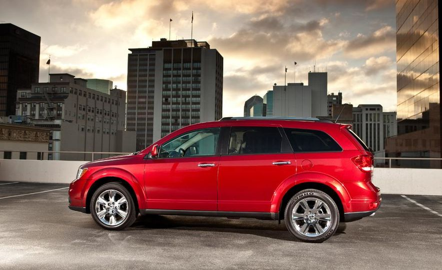 2013 Dodge Journey R/T - Slide 11