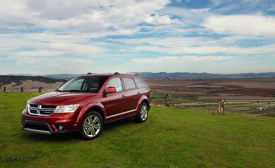 2013 Dodge Journey R/T - Slide 4