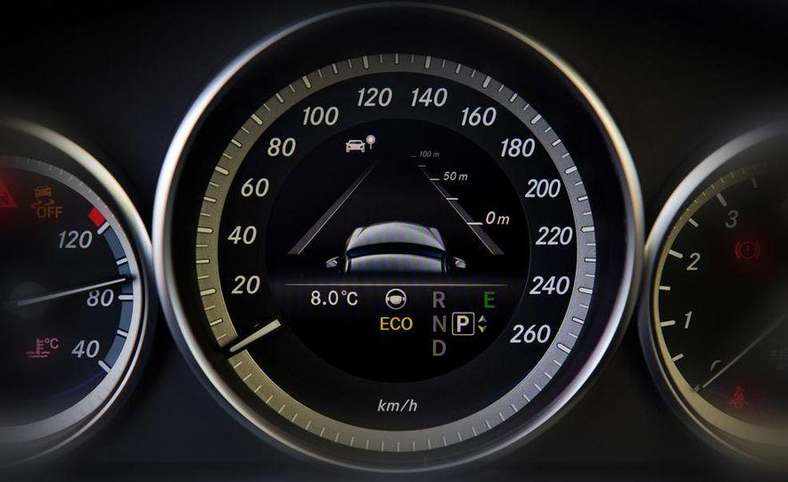 2014 Mercedes-Benz E250 sedan - Slide 11