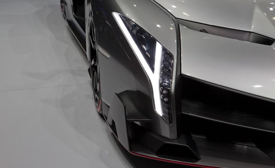 Lamborghini Veneno - Slide 34
