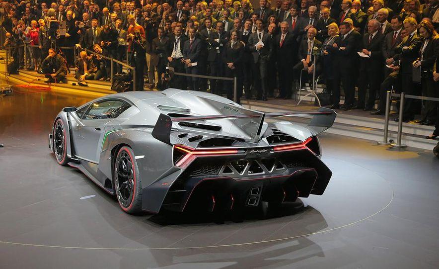 Lamborghini Veneno - Slide 40