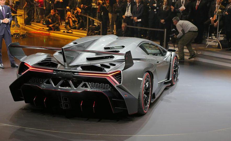Lamborghini Veneno - Slide 42
