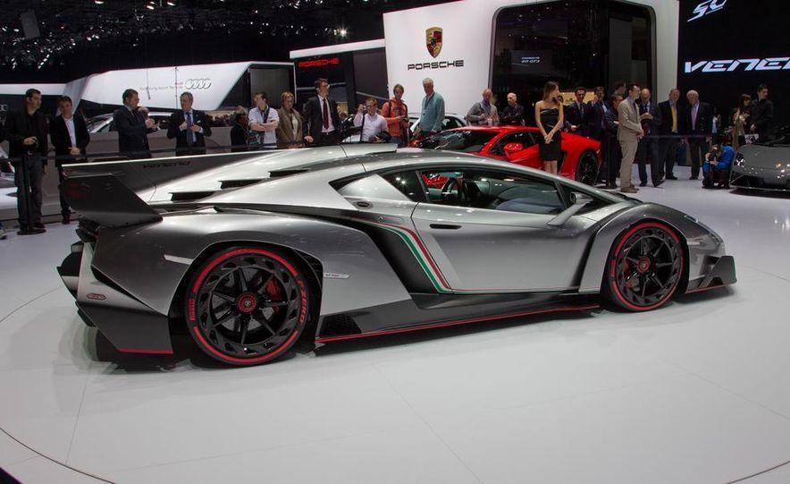 Lamborghini Veneno - Slide 18
