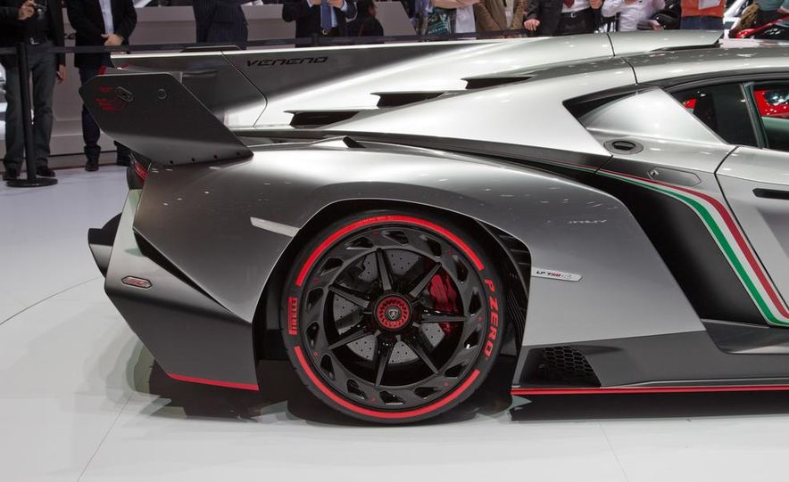 Lamborghini Veneno - Slide 31