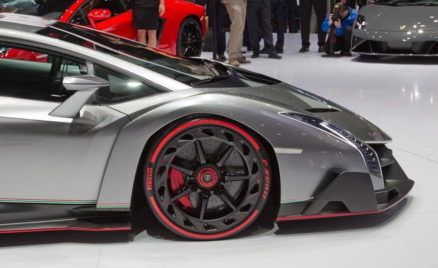 Lamborghini Veneno - Slide 32