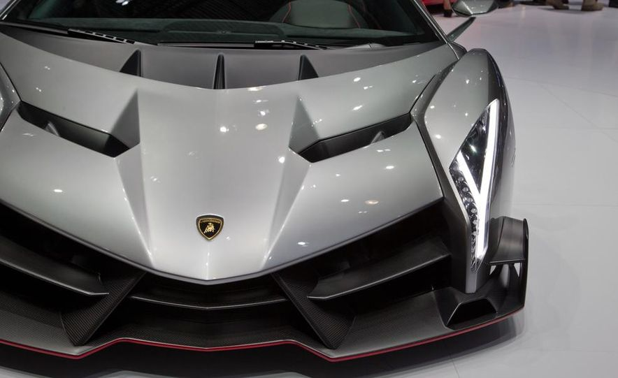Lamborghini Veneno - Slide 35