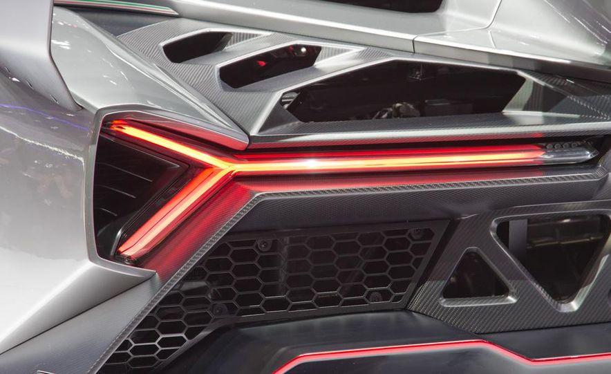 Lamborghini Veneno - Slide 28