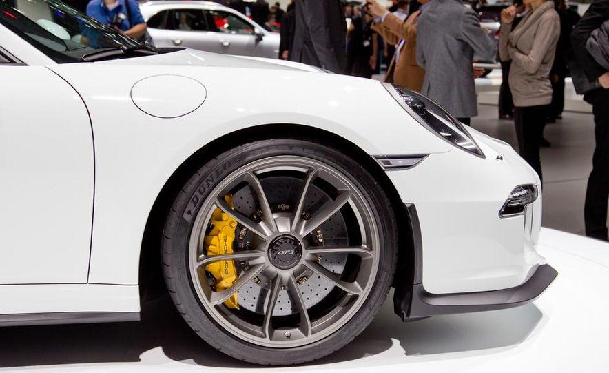 2014 Porsche 911 GT3 - Slide 20