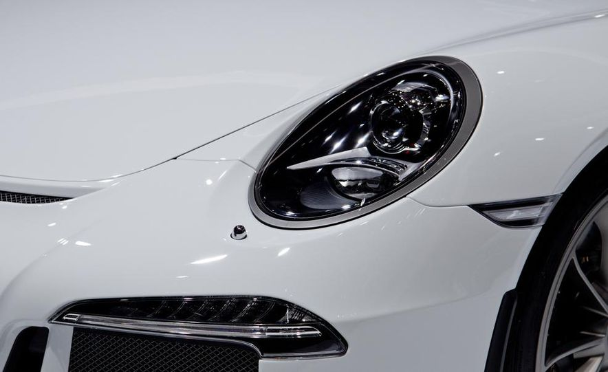 2014 Porsche 911 GT3 - Slide 19