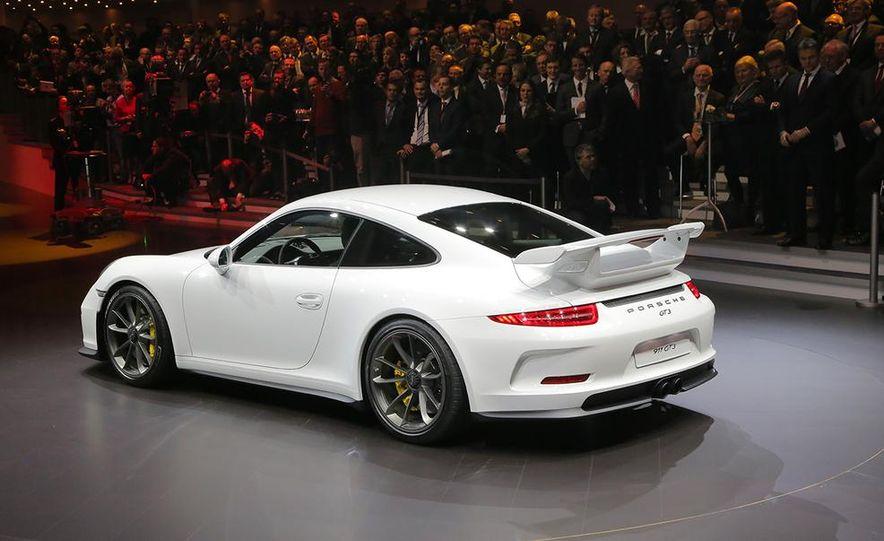 2014 Porsche 911 GT3 - Slide 24