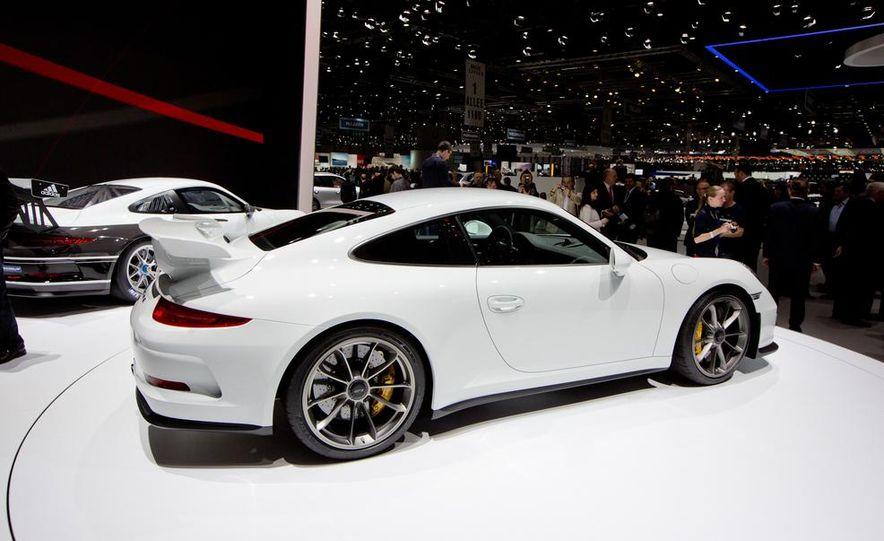 2014 Porsche 911 GT3 - Slide 7