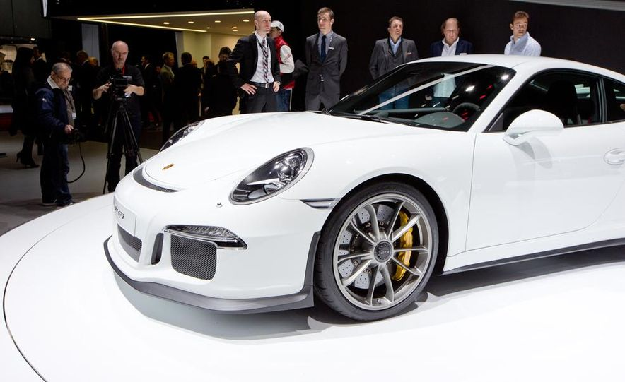2014 Porsche 911 GT3 - Slide 14