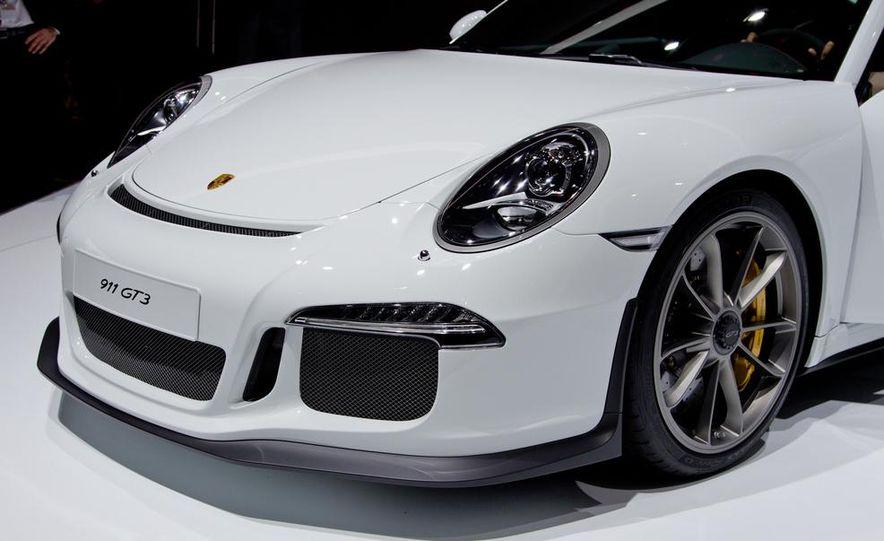 2014 Porsche 911 GT3 - Slide 16