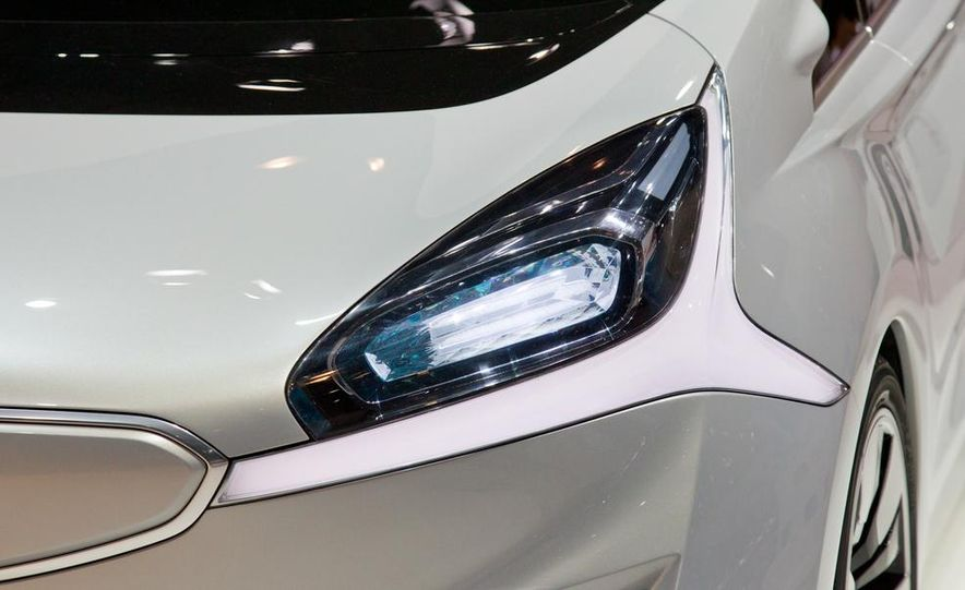 Mitsubishi CA-MiEV EV concept - Slide 15
