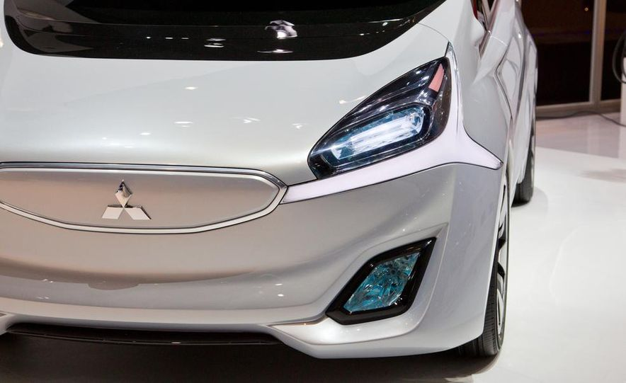Mitsubishi CA-MiEV EV concept - Slide 10