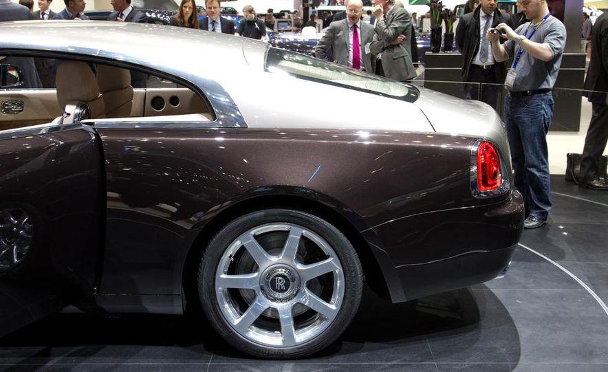 2014 Rolls-Royce Wraith - Slide 18