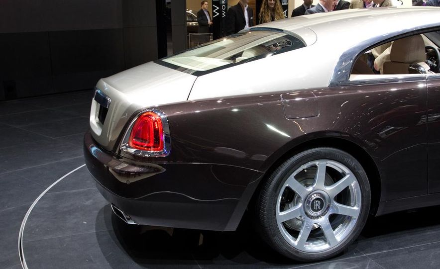 2014 Rolls-Royce Wraith - Slide 19