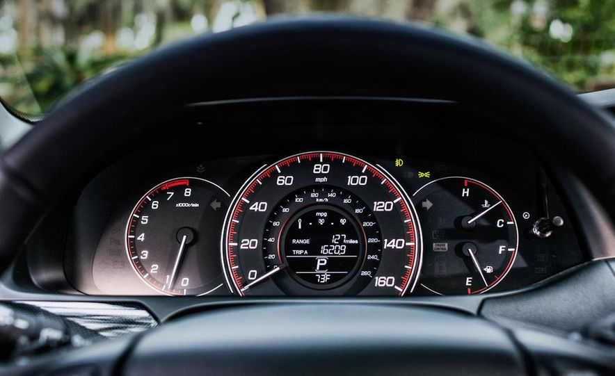 2013 Honda Accord EX-L V-6 coupe automatic - Slide 31
