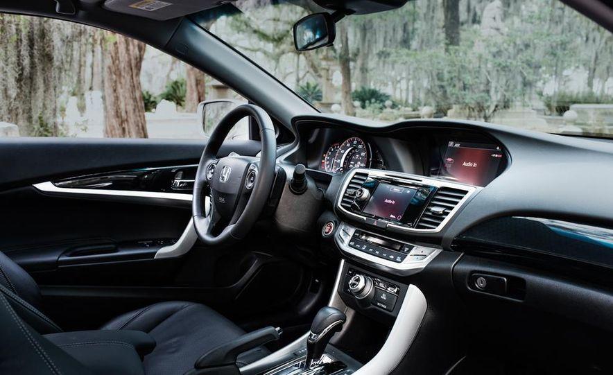 2013 Honda Accord EX-L V-6 coupe automatic - Slide 29