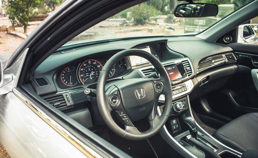 2013 Honda Accord EX-L V-6 coupe automatic - Slide 30