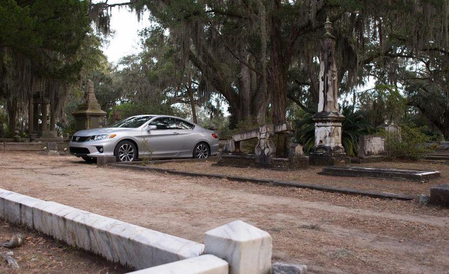 2013 Honda Accord EX-L V-6 coupe automatic - Slide 5