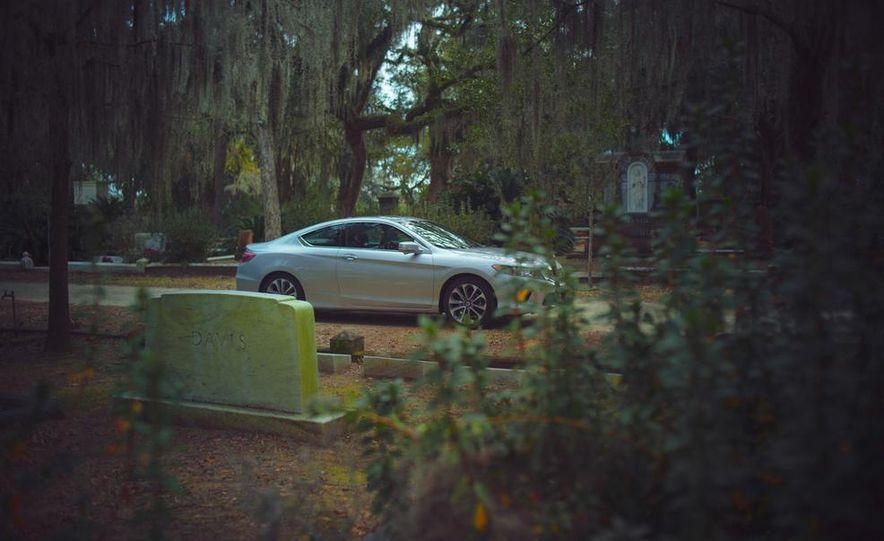 2013 Honda Accord EX-L V-6 coupe automatic - Slide 15