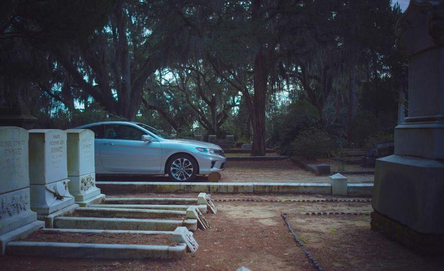 2013 Honda Accord EX-L V-6 coupe automatic - Slide 21