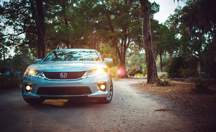 2013 Honda Accord EX-L V-6 coupe automatic - Slide 26
