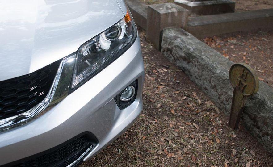 2013 Honda Accord EX-L V-6 coupe automatic - Slide 27