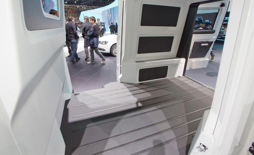 Volkswagen e-Co-Motion concept - Slide 23